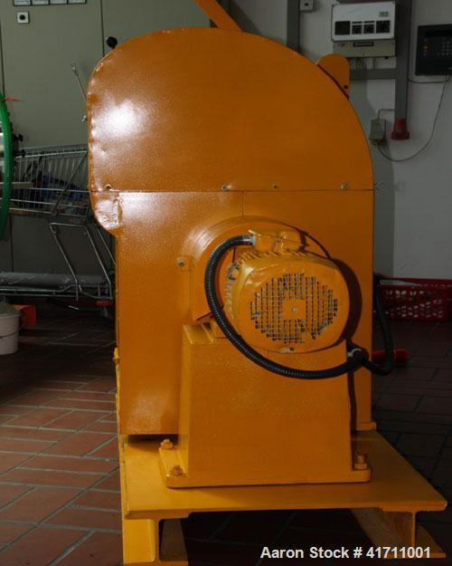 "Used-VEB Double Z Mixer. Carbon steel, capacity 110 lbs/1.8 cubic feet (50 kg), bowl size 16"" x 16"" x 16"" (400 x 400 x 400 m..."