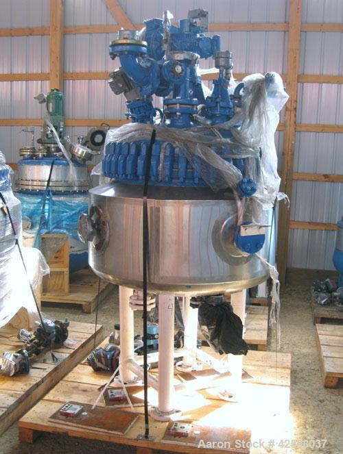 Used- Pfaudler Glass Lined Reactor, 50 gallon, model E32-50-100-150. 32'' Diameter x 12'' straight side. 2:1 Elliptical bolt...