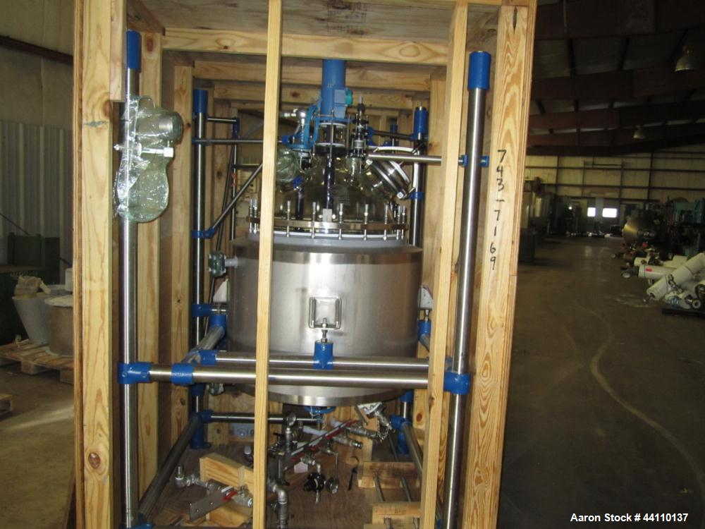 Unused- DeDietrich Glass Lined Reactor, 100 Liter (26.4 Gallon). Rated 15 psi and full vacuum at 482 F internal, jacket rate...