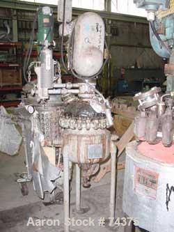 "Used- Pfaudler Glass Lined Reactor, 5 Gallon. 14"" Diameter x 7"" deep, internal rated 300 psi @ 500 deg F, carbon steel jacke..."
