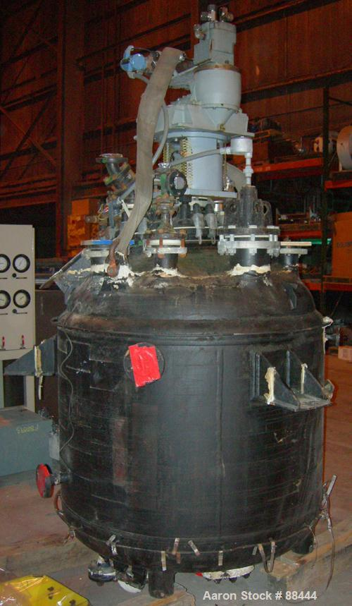 "USED: Dedietrich 300 gallon glass lined reactor, model SA-300. Type 3009 glass. 48"" diameter. Dished heads. Internal rated 1..."