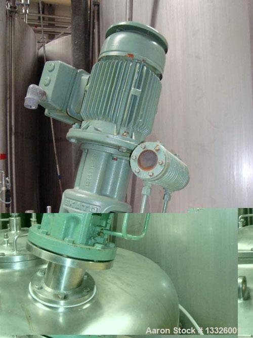 Used- 317 Gallon Stainless Steel Agitated Mixing Tank