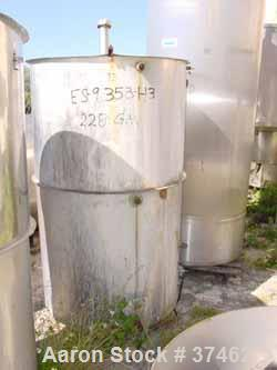 "USED: Sani Tank, 300 gallon, stainless steel, vertical. 38"" diameter x 60"" straight side. Flat open top with 1/2 hinged cove..."