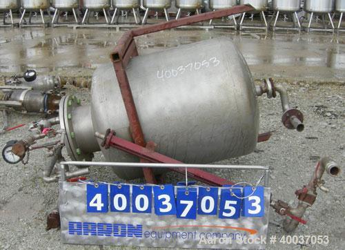 Used- Javo N.V. Alkmaar Pressure Tank, 100 gallon, 304 stainless steel, vertical. 30'' diameter x 30'' straight side, dished...