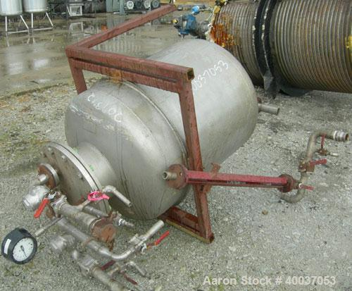 Used- Javo N.V. Alkmaar Pressure Tank, 100 gallon, 304 stainless steel, vertical. 30'' diameter x 30'' straight side, dished...