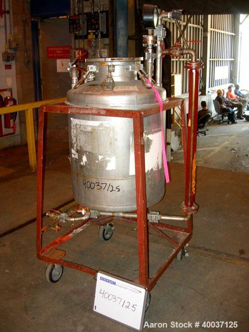 "Used-Used: O.G. Kelley Co. Pressure Tank, 55 gallon, stainless steel, vertical. 24"" diameter x 27"" straight side, dished top..."