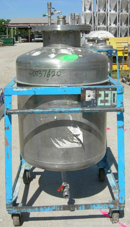 "Used- Javo N.V. Alkmaar Pressure Tank, 100 gallon, 304 stainless steel, vertical. 30"" diameter x 30"" straight side, dished t..."