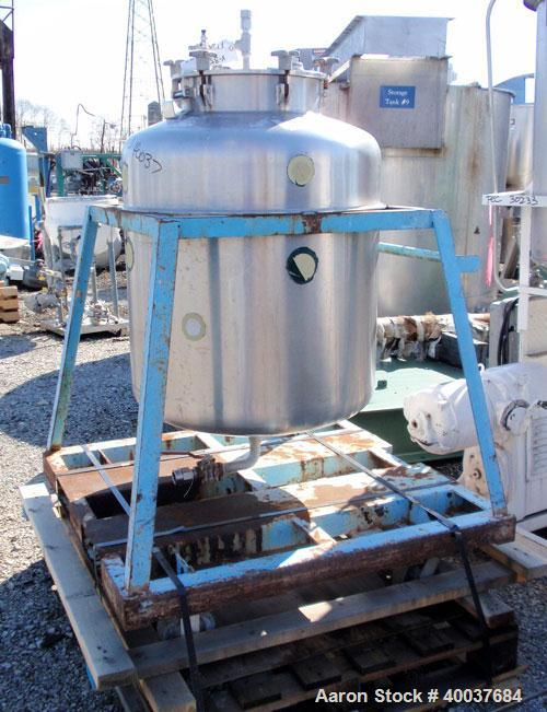 Used- Javo N.V. Alkmaar Pressure Tank, 100 Gallon, Stainless Steel, Vertical. 30'' diameter x 30'' straight side, dished top...