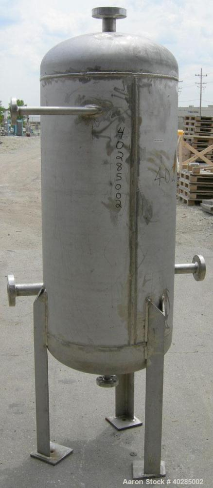 """Used- Doyle and Roth pressure tank, 100 gallon, 316L stainless steel, vertical.  24"""" diameter x 48"""" straight side.  Dish top..."""