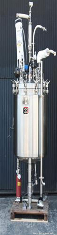 "Used- Lee Pressure Tank, 400 liter (105 gallon), model 400LDBTT, 316 stainless steel, vertical. 30"" diameter x 36"" straight ..."
