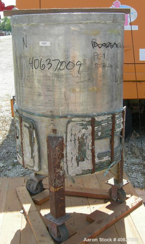 "Used- Tank, 100 Gallon, 316 Stainless Steel. 28"" diameter x 38"" straight side. Open top, no cover, flat bottom. 1 1/2"" cente..."