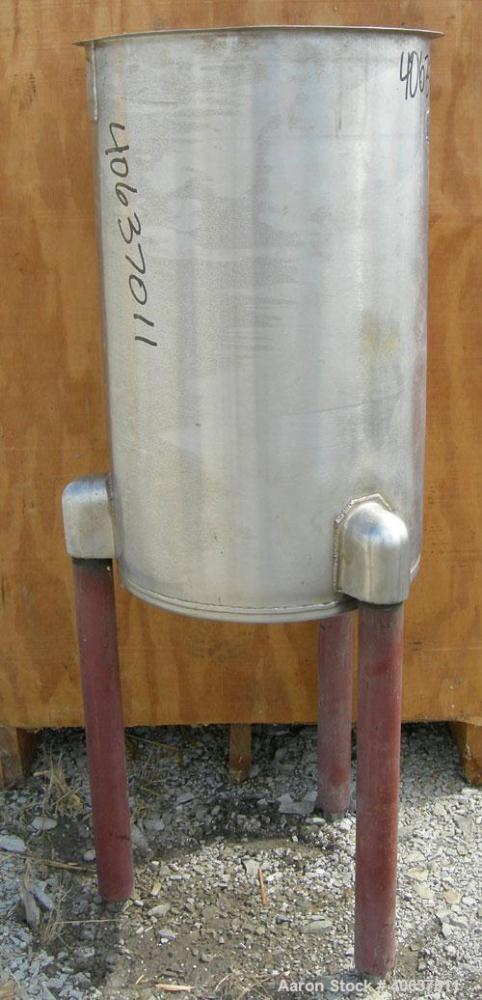 "Used- United Utensils Tank, 30 Gallon, model VT-30, 304 stainless steel, vertical. 18"" diameter x 29 1/2"" straight side, ope..."