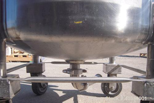 Used- Walker Stainless Pressure Tank, 52.8 gallon (200 liter), 316L stainless steel, vertical. 30'' diameter x 18'' straight...
