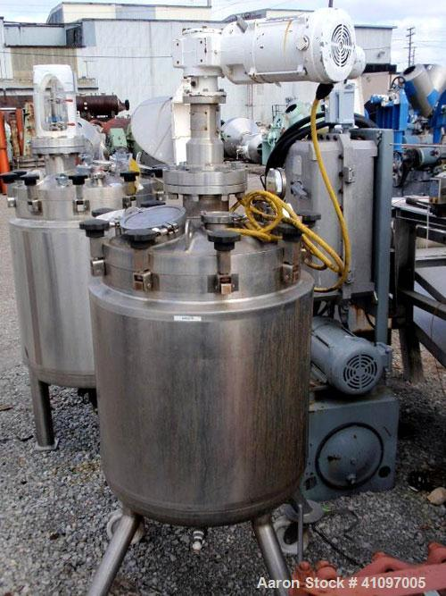 "Used- Feldmeier Pressure Tank, 40 gallon, 316L Stainless Steel, Vertical. 21 3/4"" diameter x 24"" straight side, removable di..."