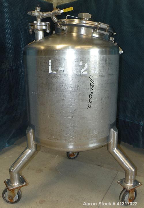 "Used- Walker Stainless Pressure Tank, 75 Gallon, 316 Stainless Steel, Vertical. 28"" diameter x 26"" straight side. Dish top a..."