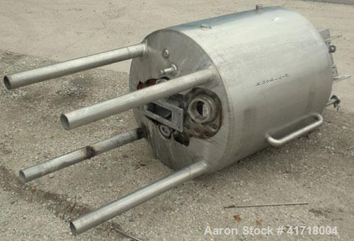 "Used- Tank, 125 Gallon, 316 Stainless Steel, Vertical. 30"" Diameter x 39"" straight side. Open top with a fixed stainless ste..."