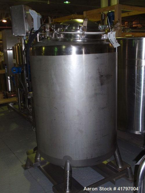 Used- DCI Pressure Tank, 200 Gallon, 316 Stainless Steel, Vertical. 35-3/4'' diameter x 42'' straight side, dished top and b...