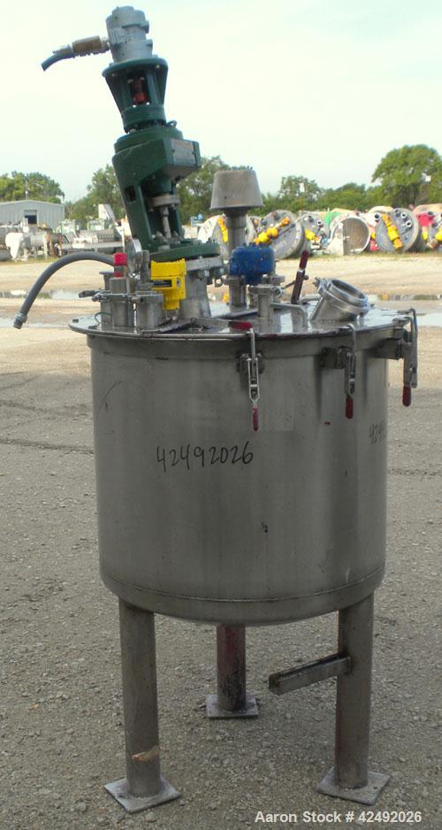 "Used- Tank, 80 Gallon, 304 Stainless Steel, Vertical. 30"" Diameter x 24"" straight side. Open top with a 2 piece cover, 1/2 b..."