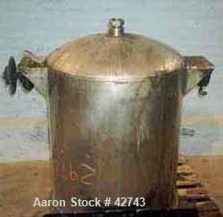 "USED:Dixie agitated premix tank, 100 gallon, 316SS, vertical.29"" dia x 41"" deep w/6"" deep cone bottom. 316SS triple squirrel..."