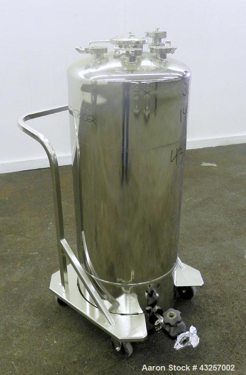 "Used- Alloy Products Pressure Tank, 36.99 Gallon (140 Liter), 316L Stainless Steel, Vertical.17.74'' Diameter x 29"" straight..."