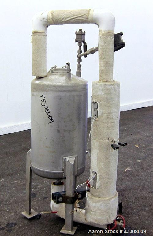 "Used- Alloy Products Pressure Tank, 10 Gallon, 316 Stainless Steel, Vertical. 12"" Diameter x 17"" straight side. Dished top a..."