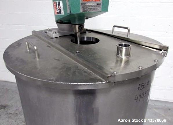 "Used- Tank, 100 Gallon, Stainless Steel. Approximately 30"" diameter x 36"" straight side, flat top, dished bottom, top enteri..."