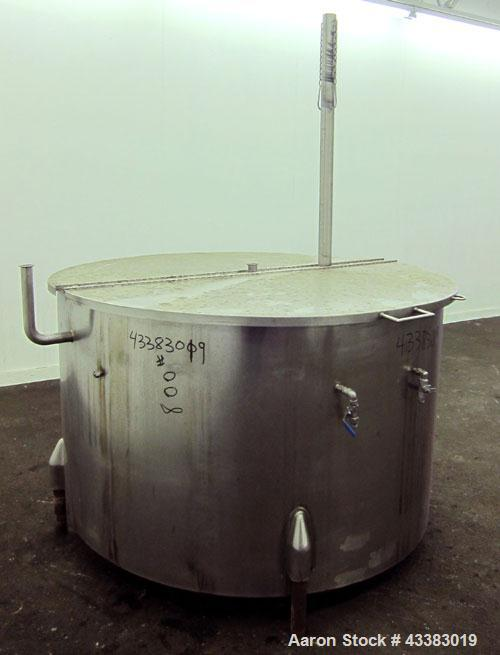 Used- 450 Gallon Stainless Steel Tank