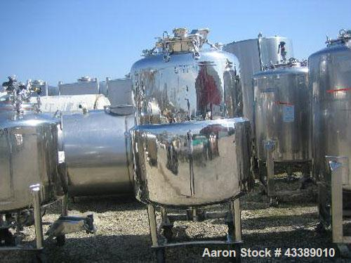 "Used- Tank, Approximately 160 Gallon, Electropolished Stainless Steel. 34"" Diameter x 38"" straight side. (3) Baffles, 11"" to..."