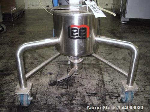"Used- Lee Tank, 3 Gallon, Model 3DBT. Stainless steel construction, 12"" diameter x 10"" straight side, 1.5"" CBO, on stainless..."
