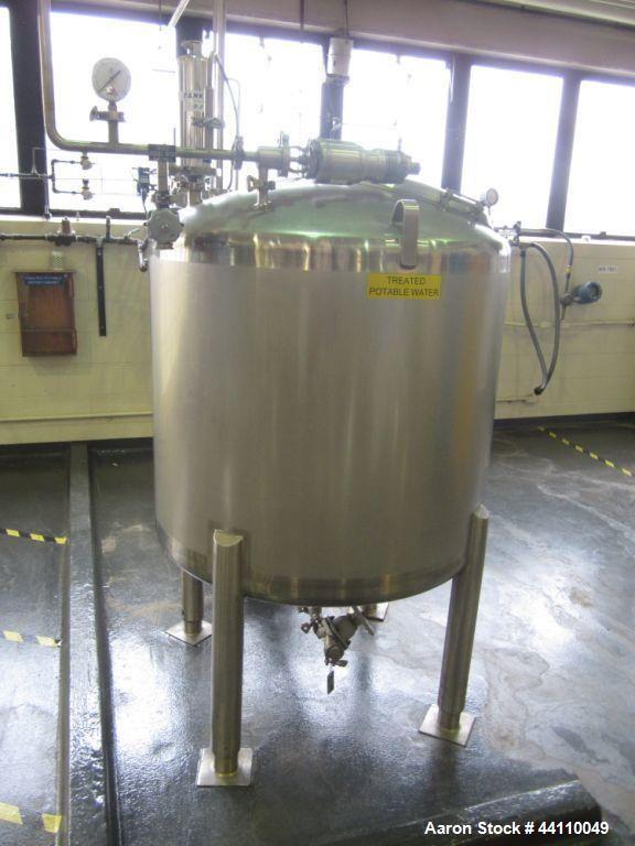 Used- DCI tank, 225 gallon s/s atmospheric