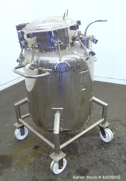 "Used- B&G Machine Pressure Tank, 55 Gallon (208.14 Liter), 316 Stainless Steel, Vertical. Approximate 26"" diameter x 24"" str..."