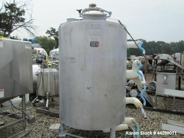 Used- 400 Gallon Lee Pressurized Solution Tank