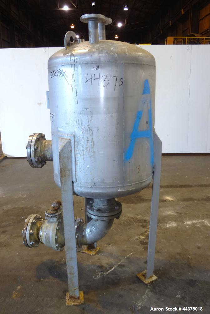 "Used- Wolfe Mechanical And Equipment Pressure Tank, 105 Gallon, 316 Stainless Steel, Vertical. 30"" diameter x 30"" straight s..."