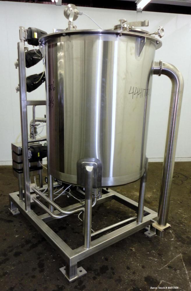 750 Liter Stainless Steel Northland Stainless Tank, Model 2065LV