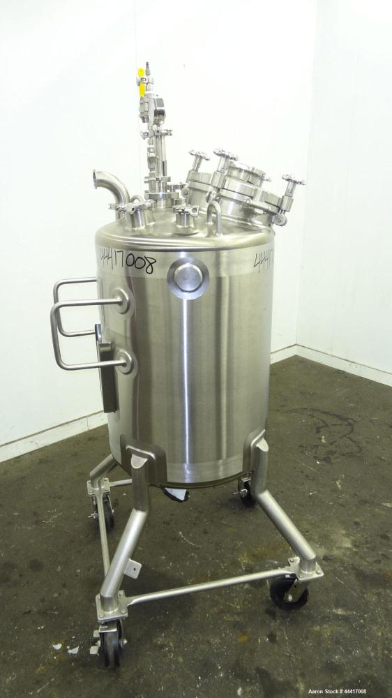 "Unused- Northland Stainless Pressure Tank, 200 Liter (52.8 Gallon), 316 L Stainless Steel, Vertical.  24"" Diameter x 30-1/2""..."