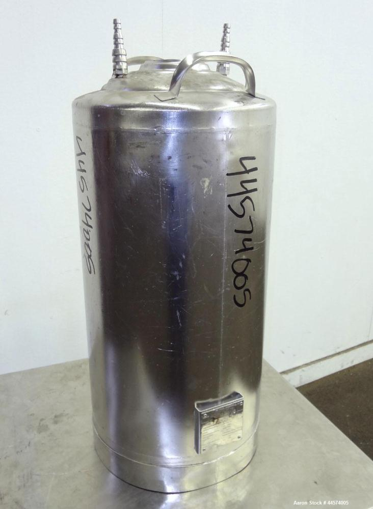 Used- 10.5 Gallon Stainless Steel DeJong Gorredijk Pressure Tank