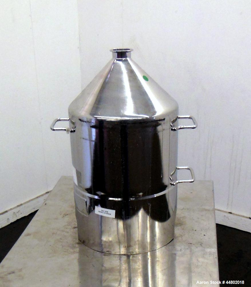 Used- 4 Gallon Stainless Steel Alloy Products Pressure Tank