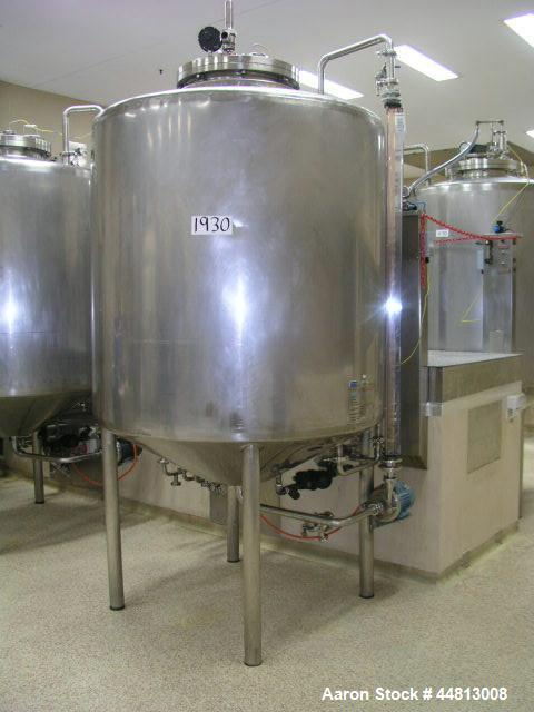 Used-Stainless Steel Tank, 1500 liter capacity, 1200 mm diameter x 1350 mm high, jacketed, conical top with center bolted ma...