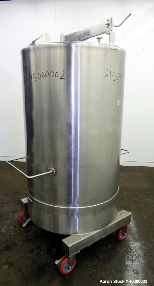 Used- 200 Gallon 304 Stainless Steel Tank