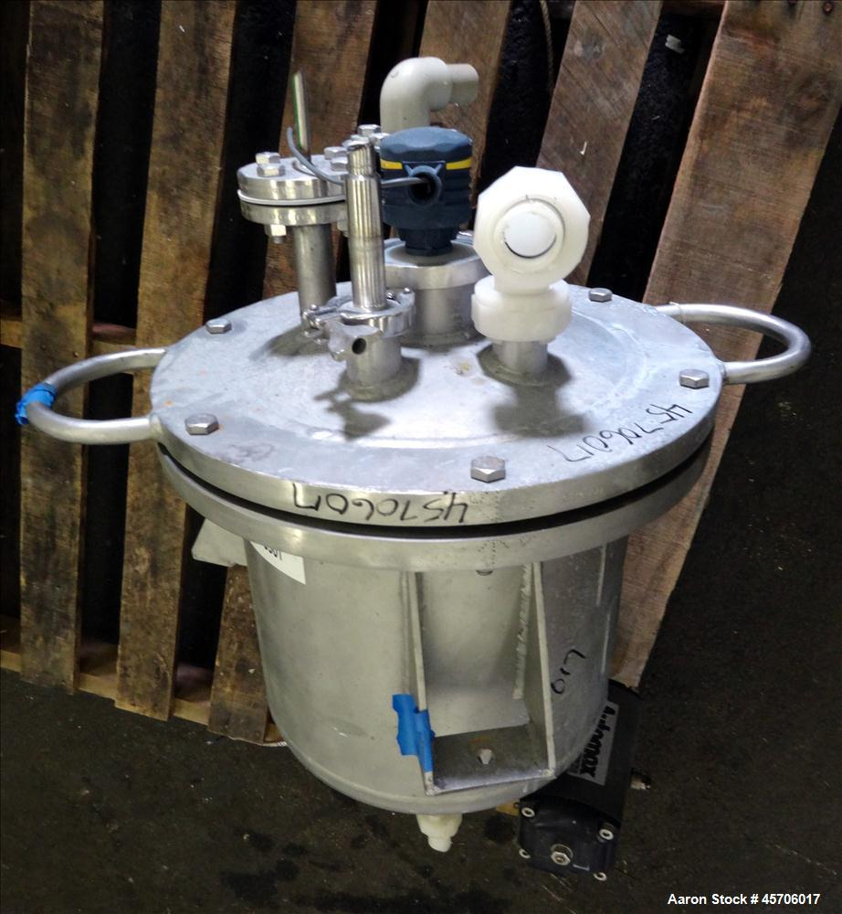 """Used- Lee Industries Pressure Tank, 10 Gallon, Model 10DBT, 316 Stainless Steel, Vertical. 14"""" Diameter x 12"""" straight side,..."""
