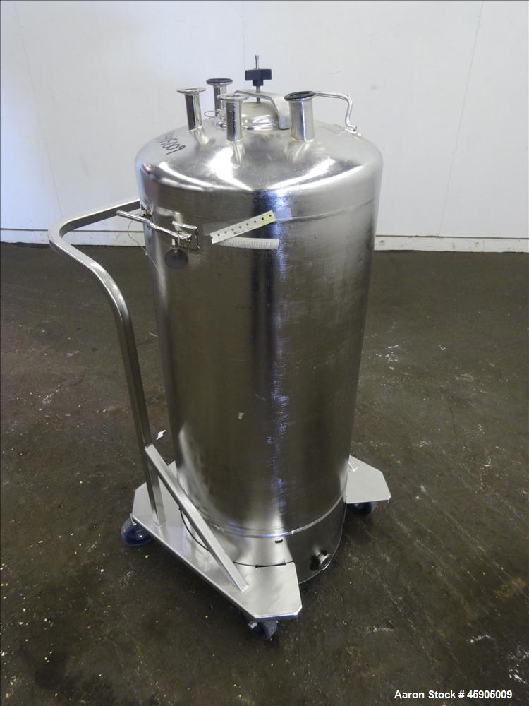 "Used- Alloy Products Pressure Tank, 30 Gallon, 316L Stainless Steel, Vertical. Approximate 18"" diameter x 29"" straight side,..."