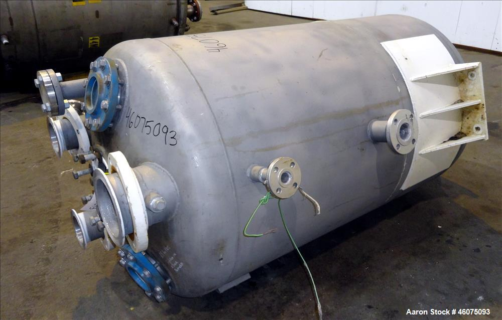 "Used- Tank, 225 Gallon, 304 Stainless Steel, Vertical. Approximate 36"" diameter"