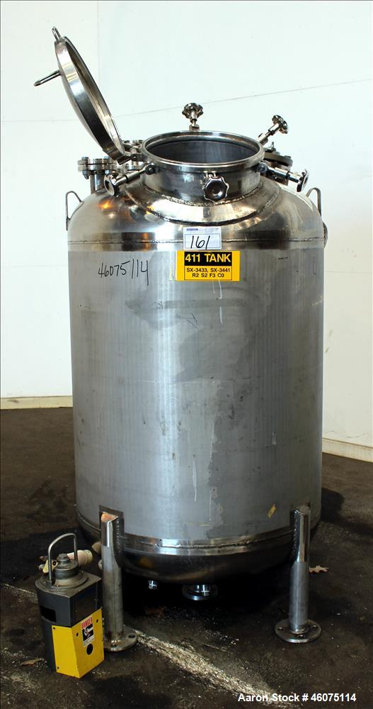 "Used- Watson Metal Masters Pressure Tank, 250 Gallon, 316L Stainless Steel, Vertical. 39-1/4"" Diameter x 42"" straight side, ..."