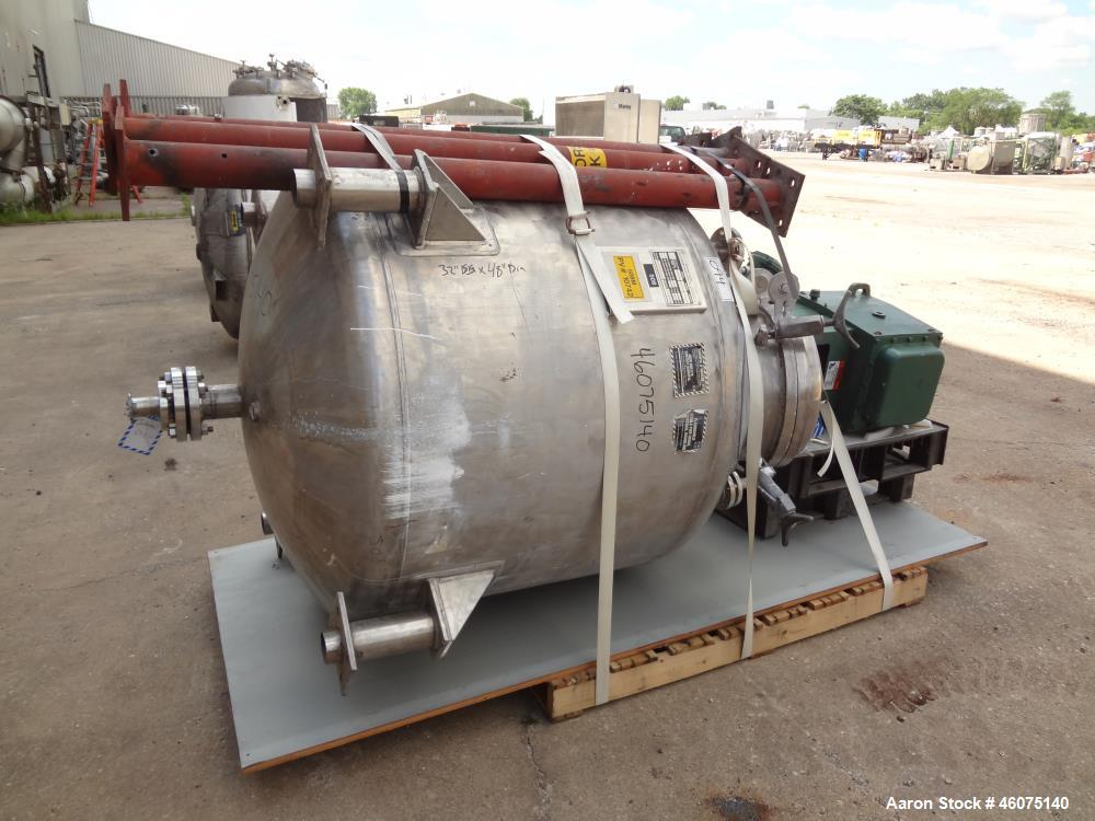 "Used- Eastern Manufacturing Pressure Tank, 275 Gallon, 316L Stainless Steel, Vertical. Approximate 48"" diameter x 32"" straig..."