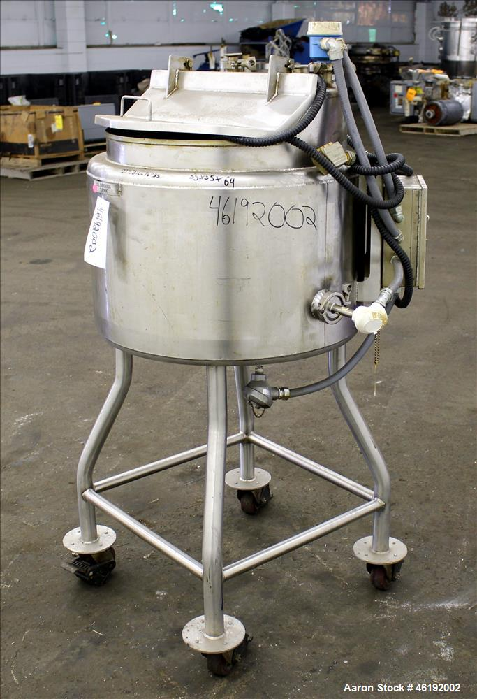 """Used- Tank, Approximately 30 Gallon, 304 Stainless steel. 23-1/2"""" Diameter x 16"""" straight side, insulated. Flat top, sloped ..."""