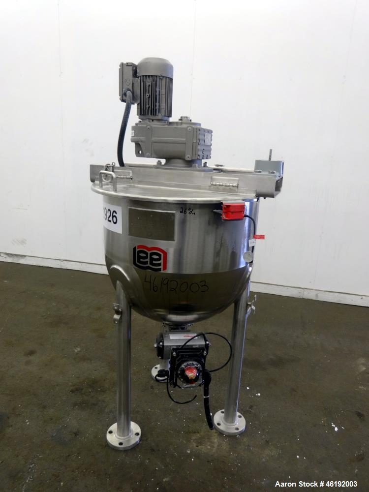 "Used- Lee Industries Tank, 40 Gallon, Model 40SSA7S, 316 Stainless Steel. 26"" Diameter x approximately 18"" deep. Flat top, o..."