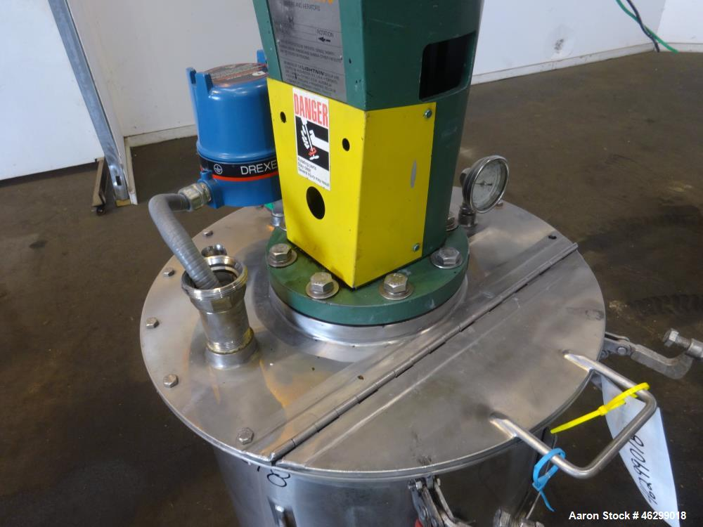 """Used- Tank, Approximately 40 Gallons, 304 Stainless Steel, Vertical. 20"""" Diameter x 30"""" straight side. Bolt-on flat top with..."""