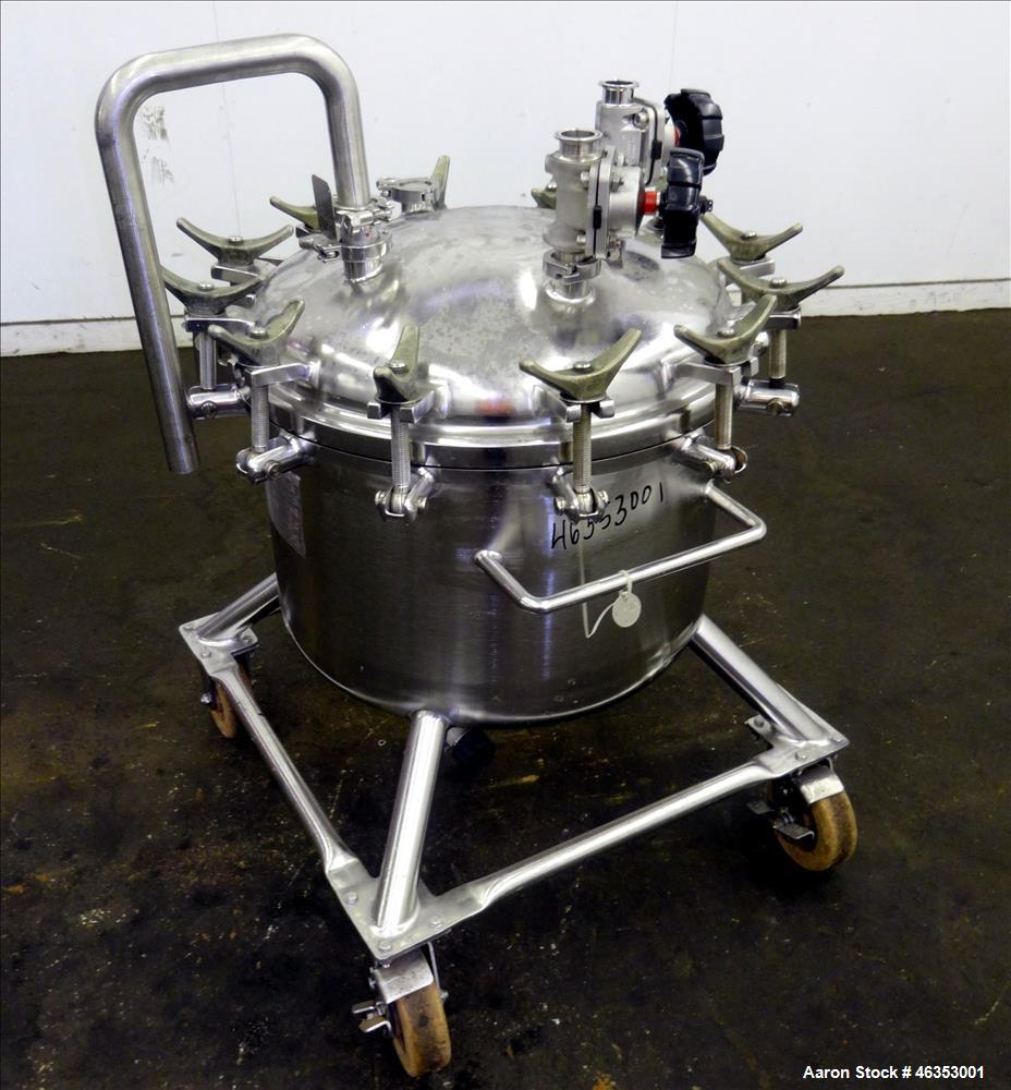 "Used- Precision Stainless Pressure Tank, 26.4 Gallons (100 Liters), 316L Stainless Steel, Vertical. 23-5/8"" Diameter x 14"" s..."