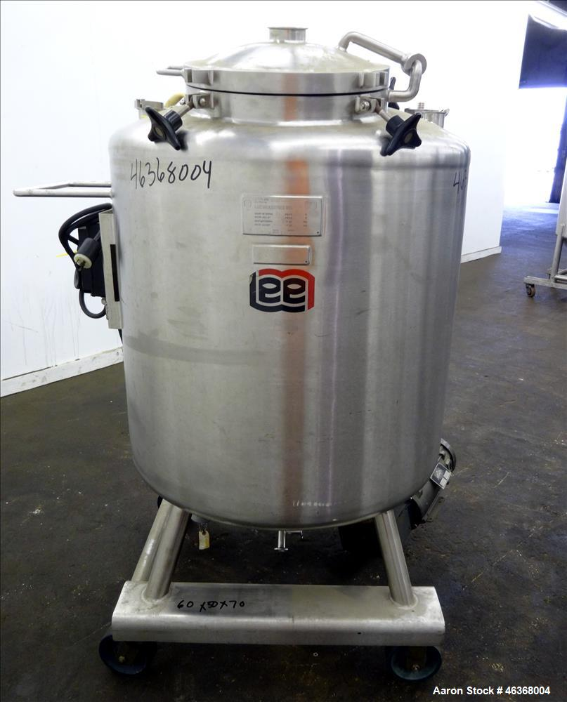 "Used- Lee Industries Pressure Tank, 132 Gallons (500 Liters), Model 500LDBT, 316L Stainless Steel, Vertical. 36"" Diameter x ..."