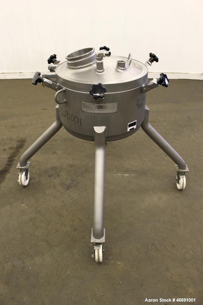 """Used- Mueller 60 Liter (15.8 Gallon) Tank, 316 Stainless Steel, Vertical. Approximate 20"""" diameter x 12"""" straight side. Clam..."""
